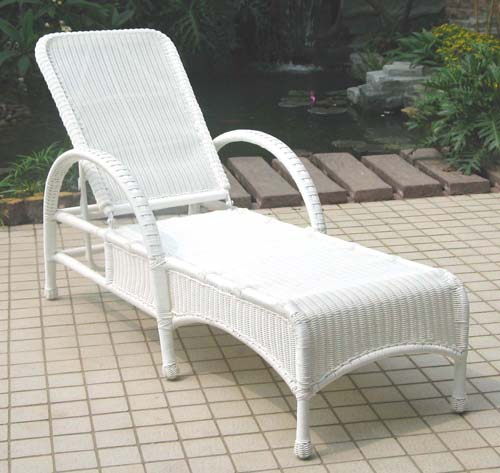 Summerset Adjustable Outdoor Wicker Chaise Lounge Part 3