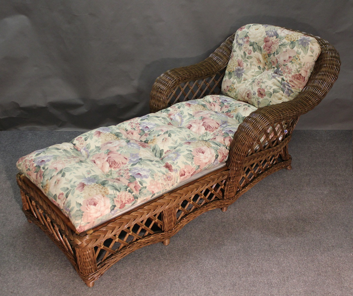 Cape Cod Wicker Chaise Lounge