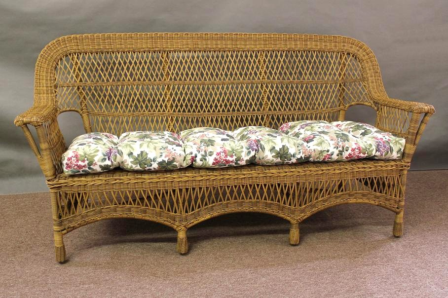 Mackinac all weather wicker sofa all about wicker for Sofas rattan exterior baratos