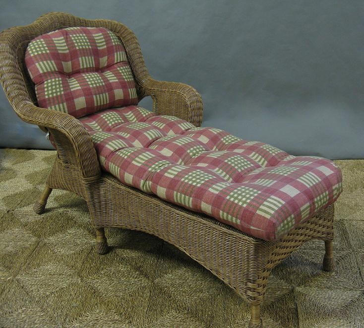 Seagull Wicker Chaise Lounge