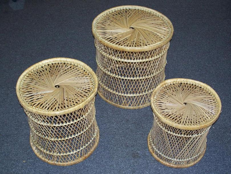 Incroyable Set Of 3 Natural Wicker Nesting Tables / Plant Stands